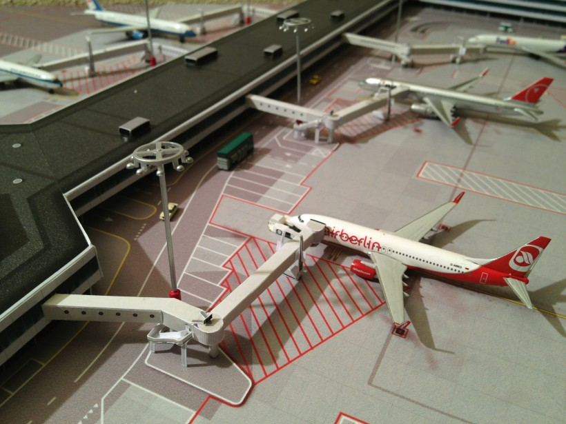 02_Diorama Airport EHAM look-a like.JPG