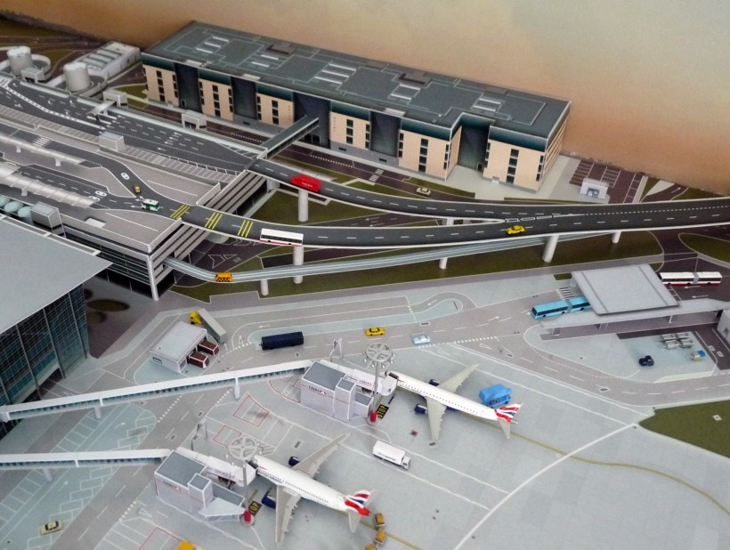 002_LHR_No Point Airport_preview.JPG